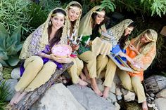 Traditional dress of Iran is a product of the glorious Persian heritage. It is brightly colored and fabulously designed which is also adorned with tremendous beatifications.