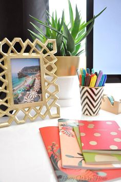 OBSESSED with this organized desk area.  11UHeart Organizing: A Delightfully Organized Desk