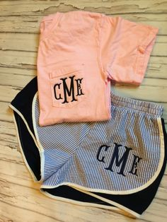 Womens Seersucker Monogrammed Running Athletic Shorties Shorts and Pocket Tee Preppy Outfits, Preppy Style, Summer Outfits, Cute Outfits, My Style, Girl Outfits, Leila, Beauty And Fashion, Comfort Colors