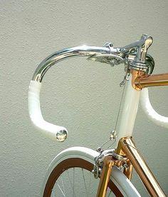 Shiny vintage 📷@fixie.sf #fgr #savethetrackbike #steelisteal #trackbikes #vintagesbikes #retro #velodrome #omnium #pista #chroom #shiny #campagnolo #fixie #fixedgear #fixieapp #fixiegram #fixiegirls #fixieporn #bikeporn #art #ciclismo #velo #bike #onespeed #onegear #brakeless #piñonfijo #singlespeed #keirin  Keep it fixed!