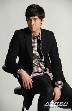 Lee Jang Woo | 이장우 | D.O.B 1/6/1986 (Gemini)