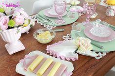 Girlie table [http://www.tabletips.com.br]