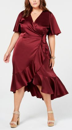 45 Plus Size Wedding Guest Dresses {with Sleeves} - Alexa Webb Plus Size Wedding Dresses With Sleeves, Dresses For Apple Shape, Plus Size Dresses, Plus Size Outfits, Dressy Dresses, Fall Dresses, Dress Outfits, Peplum Dresses, Ivory Dresses