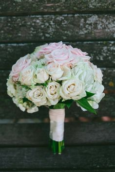 Bridal Bouquet, Weber's Westdale - St. Paul Wedding http://caratsandcake.com/heidianddave