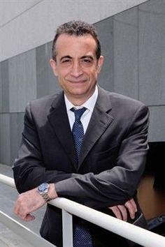 """J.J. SANTOS: """"NO SÉ SI HABRÁ BESO ENTRE IKER CASILLAS Y SARA CARBONERO""""        http://www.europapress.es/chance/tv/noticia-jj-santos-no-si-habra-beso-iker-casillas-sara-carbonero-20120612132016.html"""