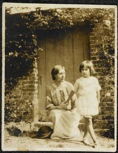 Vanessa Bell with Angelica.