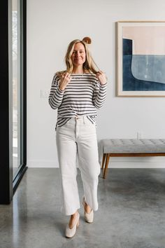 How to Style Skinny, Cropped, Straight Leg and White Jeans > The Effortless Chic