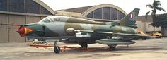 Sukhoi Su-22M Fitter J peruano con su esquema táctico mimético apto para camuflarse en la selva.
