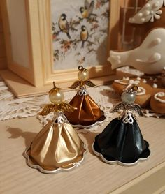 Nespresso, Capsule, Christmas In July, Angkor, Diy And Crafts, Ceiling Lights, Projects, Home Decor, Craft