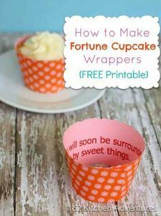 Fortune cookie cupcake wrappers gepind door www.hierishetfeest.com