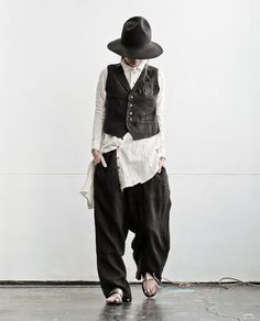 Yes, I would totally dress like this. if only I had the body, & the budget. Mode Style, Style Me, Sarouel Pants, Couture, Mori Mode, Mori Fashion, Advanced Style, Mode Vintage, Japanese Fashion