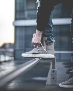 Adidas Yeezy Boost 750 | IG: sizetenplease