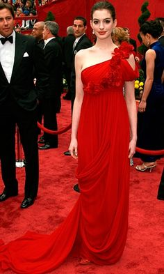 Anne Hathaway - Oscars 2008, Marchesa    Love the red.  Love the shoulder.
