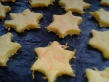 Jak upéct zdravé mrkvové cukroví   recept   JakTak.cz Sugar, Cookies, Food, Crack Crackers, Biscuits, Essen, Meals, Cookie Recipes, Yemek