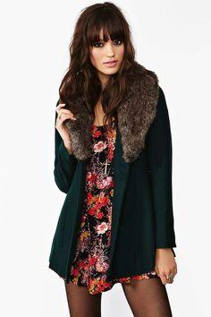 Florence Coat - Hunter Green | Shop The Temp Drop Shop at Nasty Gal $118