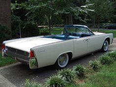 1961 Lincoln Continental Convertible #classiccarins #CTauto