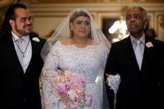 Preta Gil entrou na igreja com seu pai, Gilberto Gil (Foto: Divulgação) O casamento midiático da cantora Preta Gil, avaliado em milhões, não foi completame