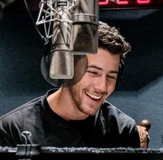Nick Carter, Jonas Brothers, Nick Jonas, Famous Faces, White Chocolate, Grande, Hot Guys, Daddy, Celebs