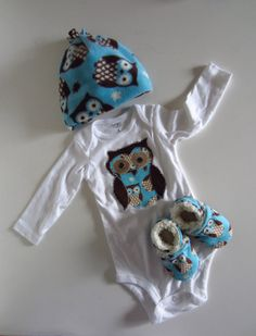 i wish i had this for beks... too cute    Adorable Owl Winter Baby Gift Set by jengalaxy on Etsy, $33.90