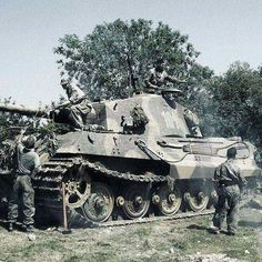 "bmashine: ""The crew of the Tiger II camouflages your tank for the upcoming battles."