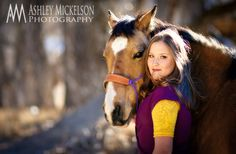 senior portraits with horse