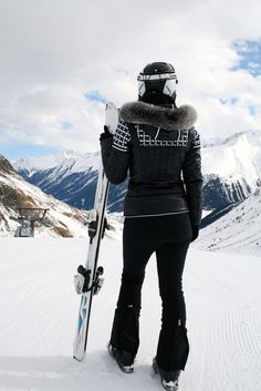 3835a2fe54 323 Best Ski wear images in 2019