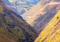 Tag toget fra Alausi i Ecuador og kør i helt imponerende natur til Djævlens Næse!