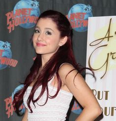 Ariana Grandes half-up, half-down hairstyle