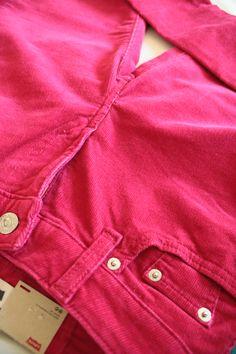 По улицам города, в парке, к морю, на вечеринку - подходят! Вельветовые розовые брючки в продаже!
