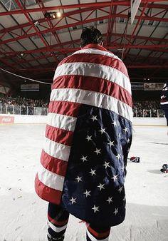 god do I love USA hockey Flyers Hockey, Usa Hockey, Hockey Baby, Hockey Games, Hockey Players, Detroit Hockey, Ducks Hockey, Olympic Hockey, Stars Hockey
