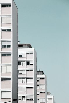 lensblr-network: Houses - Lisbon by todososdiax (todososdiax. Architecture Design, Minimal Architecture, Architecture Tumblr, Minimal Photography, Urban Photography, Urbane Fotografie, Mises En Page Design Graphique, Sp City, Lightroom