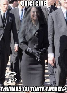 Natalie Portman wears black veil and chic jacket as Jackie Kennedy for new movie New Memes, Funny Cat Memes, Dankest Memes, Funny Shit, Funny Stuff, Jokes, Movie Shots, Funny New, Catherine Deneuve