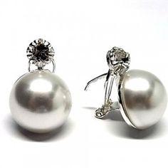 Pendientes de plata de primera ley con media perla de 16 mm japonesa y cierre omega