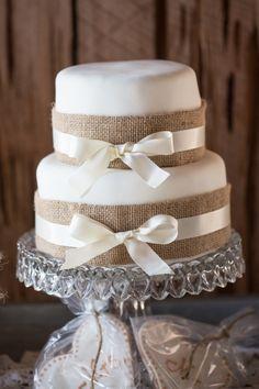 Charleston wedding at Boone Hall Plantation Cotton Dock.  Burlap wedding cake