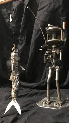 Pipe lamp – Eclectic Home Decor Today Welding Art Projects, Metal Art Projects, Metal Crafts, Easy Projects, Piping Design, Steampunk Robots, Scrap Metal Art, Junk Art, Fishing Outfits