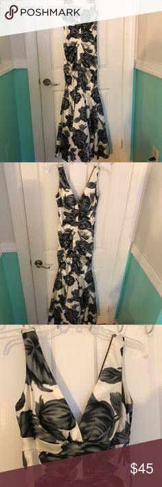 B DARLIN- Floral Prom Formal Dress Gown This B Darlin gown is perfect for any formal occasion such as prom. It's form fitting look is perfect to look elegant. Excellent condition. Offers always welcome! B Darlin Dresses Prom