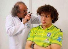 Lekarz dziwi się, że David Luiz jest wart 50 milionów funtów • Obrońca PSG odbył rutynowe badania u doktora • Wejdź i zobacz więcej >> #luiz #football #soccer #sports #pilkanozna #funny