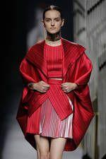 Alvarno exhibe sus propuestas para primavera-verano 2016 sobre la pasarela de Mercedes-Benz Fashion Week Madrid - Ediciones Sibila (Prensapiel, PuntoModa y Textil y Moda)