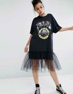 Buy Reclaimed Vintage Inspired Oversized Guns N' Roses Tour T-Shirt Dress With Tulle Underlay at ASOS. Get the latest trends with ASOS now. Guns N Roses, Oversized T Shirt Dress, Girl Fashion, Fashion Dresses, Camisa Formal, Street Style Trends, Dress With Sneakers, Tour T Shirts, T Shirt Diy
