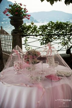 Wedding candy corner Italian style, on the Lake Como. http://www.infinityweddings.com