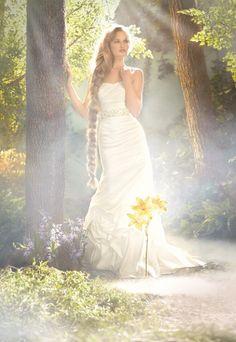 Vestido de novia inspirado en la princesa Rapunzel - Foto Alfred Angelo