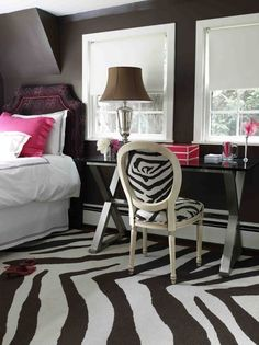 Keeping the same animal print theme throughout a room is an ideal option for those who want just that little bit more excitement in a room.