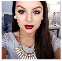 "Fall Inspo: Dark Lips & Lashes!   Obsessed with @brittney_saunders Makeup creations & Youtube Vids! You can re-create this with #Eyelashi ""DREAMER"" #minklash #luxurylashes #mua #youtubestar #Fallcolors #Burgandy #Greys #jewels #falsies #pearls #inspo #Vancouver #Australia #worldwide www.eyelashi.com"