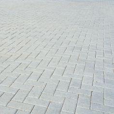 Bradstone, Driveway Block Paving Grey 200 x 100 x 50 - Per Pack - Block Paving (Simply Paving Grey Block Paving, Grey Pavers, Front Garden Ideas Driveway, Driveway Design, Paver Blocks, Concrete Blocks, Block Paving Driveway, Paving Design, Paving Ideas