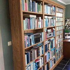 Henry's House (@henryshousemortsel) • Instagram-foto's en -video's Bookcase, House, Instagram, Home Decor, Pictures, Decoration Home, Home, Room Decor, Book Shelves