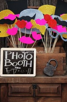 Photo Booth Ideas for Wedding Day Kino Party, Chic Wedding, Dream Wedding, Wedding Planer, Homemade Wedding Favors, Barbie Birthday, Ideas Para Fiestas, Party Props, Photo Booth Props
