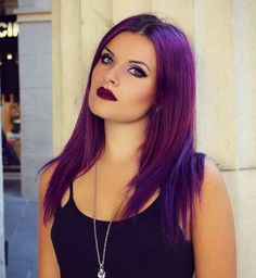 woman with medium length purple hair and matching purple lipstick for a colourful gothic look Gothic Hairstyles, Feathered Hairstyles, Short Hairstyles For Women, Hairstyles Haircuts, Wedding Hairstyles, Purple Lipstick, Makeup Lipstick, Lipstick Swatches, Medium Hair Styles