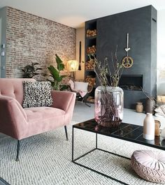 Het voorjaar in huis met de kleur roze – – Wohnaccessoires Spring at home with the color pink … Home Living Room, Interior Design Living Room, Living Room Designs, Inspire Me Home Decor, Living Room Inspiration, Home Design, Design Ideas, Modern Design, Colorful Interiors