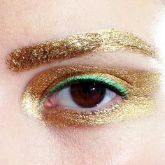 Gold brows with a hint of our favourite Spring Summer 2014 shade: seafoam... Runway Makeup, Dior Makeup, Gold Makeup, Artist Makeup, Makeup Art, Costume Makeup, Creative Makeup, All About Eyes, Eye Make Up