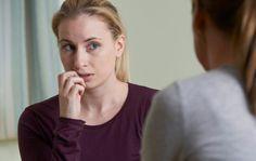 Epäterveiden ystävyyssuhteiden ylläpitämisestä on enemmän haittaa kuin hyötyä. Anna.fi listasi 8 myrkyllisen ystävän varoitusmerkkiä.